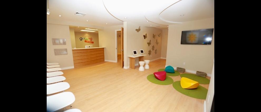 office9_990x424